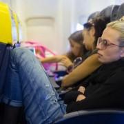 Khi nào nên ngả ghế máy bay?